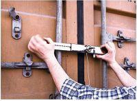 Zabezpečení dveří návěsu 34 - 48 cm